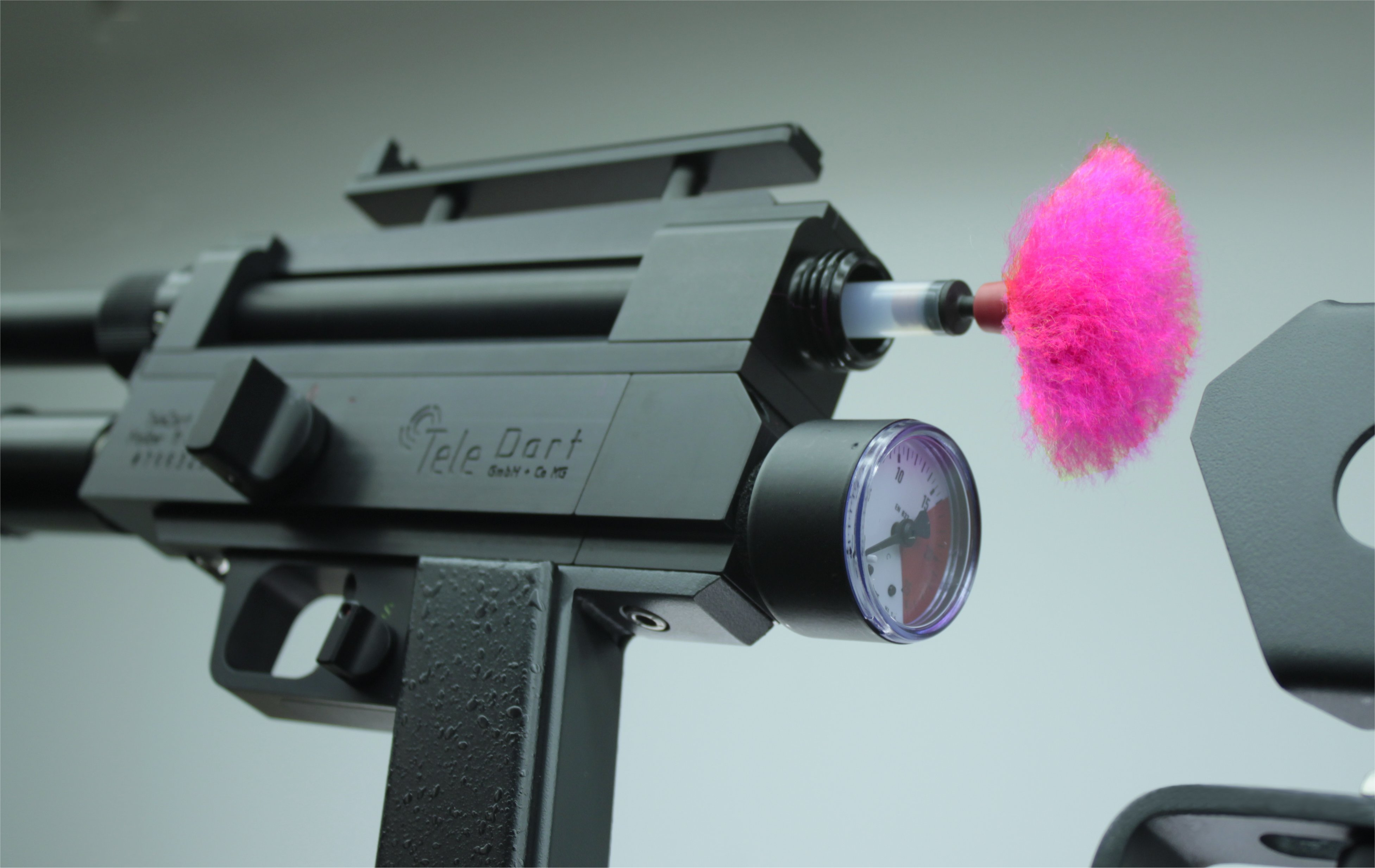 Animal Handling - TeleDart Tranquilizer Dart Rifle RD706